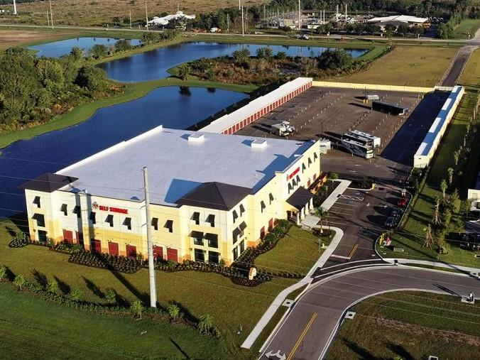 Self Storage Facility in Lakewood Ranch, FL